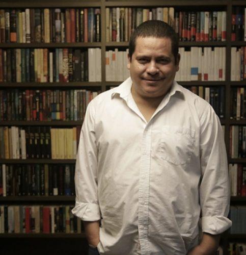 """AL08102015. CULTURA. Entrevista con el escritor Julián Herbert a propósito de su novela """"La casa del dolor ajeno"""". FOTO ALEJANDRA LEYVA/ EL UNIVERSAL."""