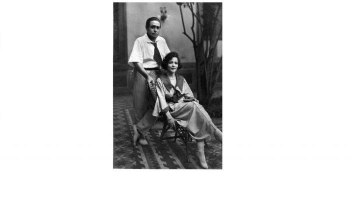 El escrito José Juan Tablada con su esposa. Fototeca El Universal.