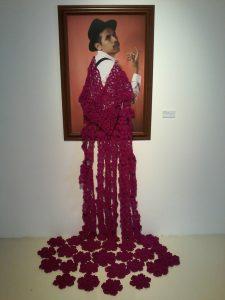 """Manuel Parra, """"Rosa y mexicano"""", impresión cromógena y tejido de estambre, 2016"""